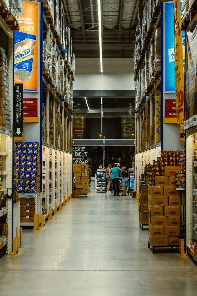 Jak wybrać oferty w sklepach spożywczych dostępne na korzystnych warunkach?