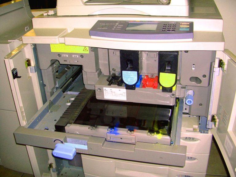 Pozwól fachowcom wykonać usługi drukarskie