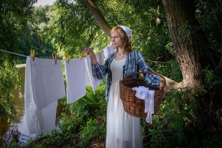 Gospodyni domowa ile masz swoich koszów na pranie?