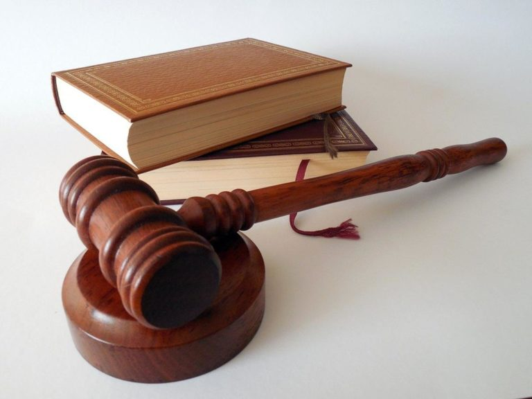 Jak często musicie korzystać z usług adwokatów?