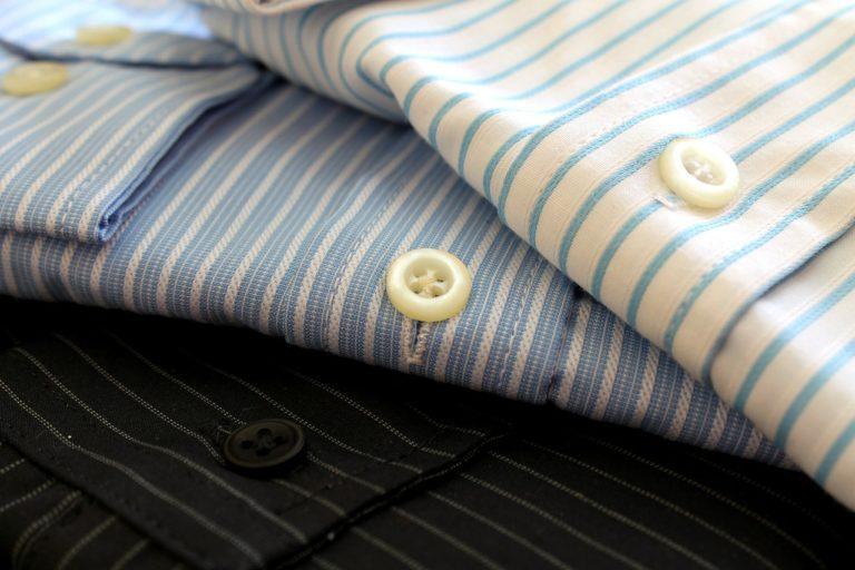 Koszule męskie, często podkreślają nasz styl